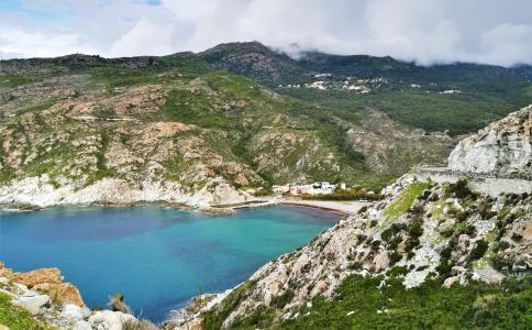 Korsika ar FlyMeAway